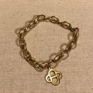 S&D Gold Clasping Link Charm Bracelet
